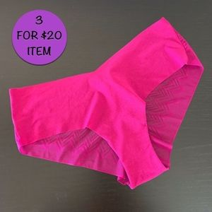 Victoria's Secret • Fuchsia Cheeky Panty Large
